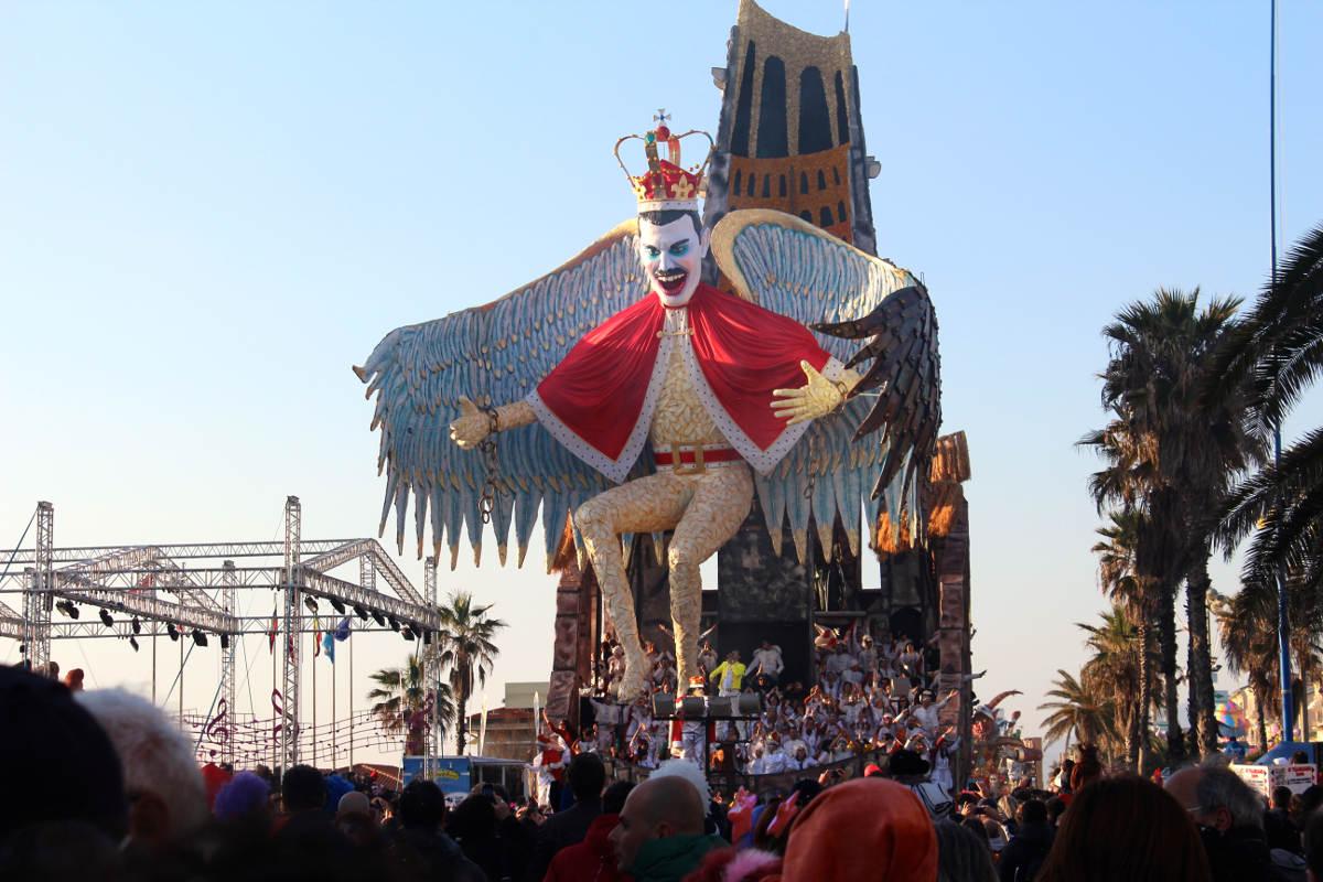 Freddie Mercury Float Carnivale di Viareggio Carnival Tuscany Italy