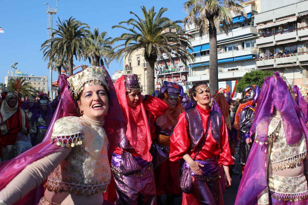 Parade Members Carnivale di Viareggio Carnival Tuscany Italy