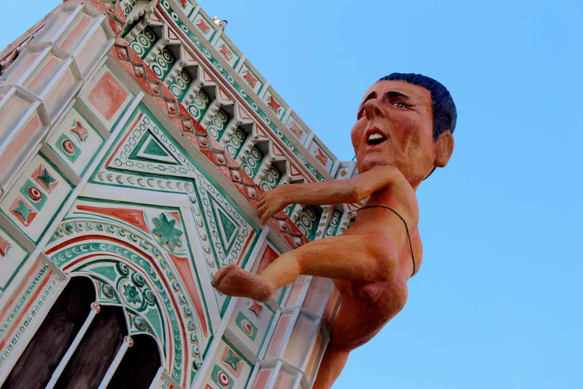 Matteo Renzi King Kong Float Carnivale di Viareggio Carnival Tuscany Italy