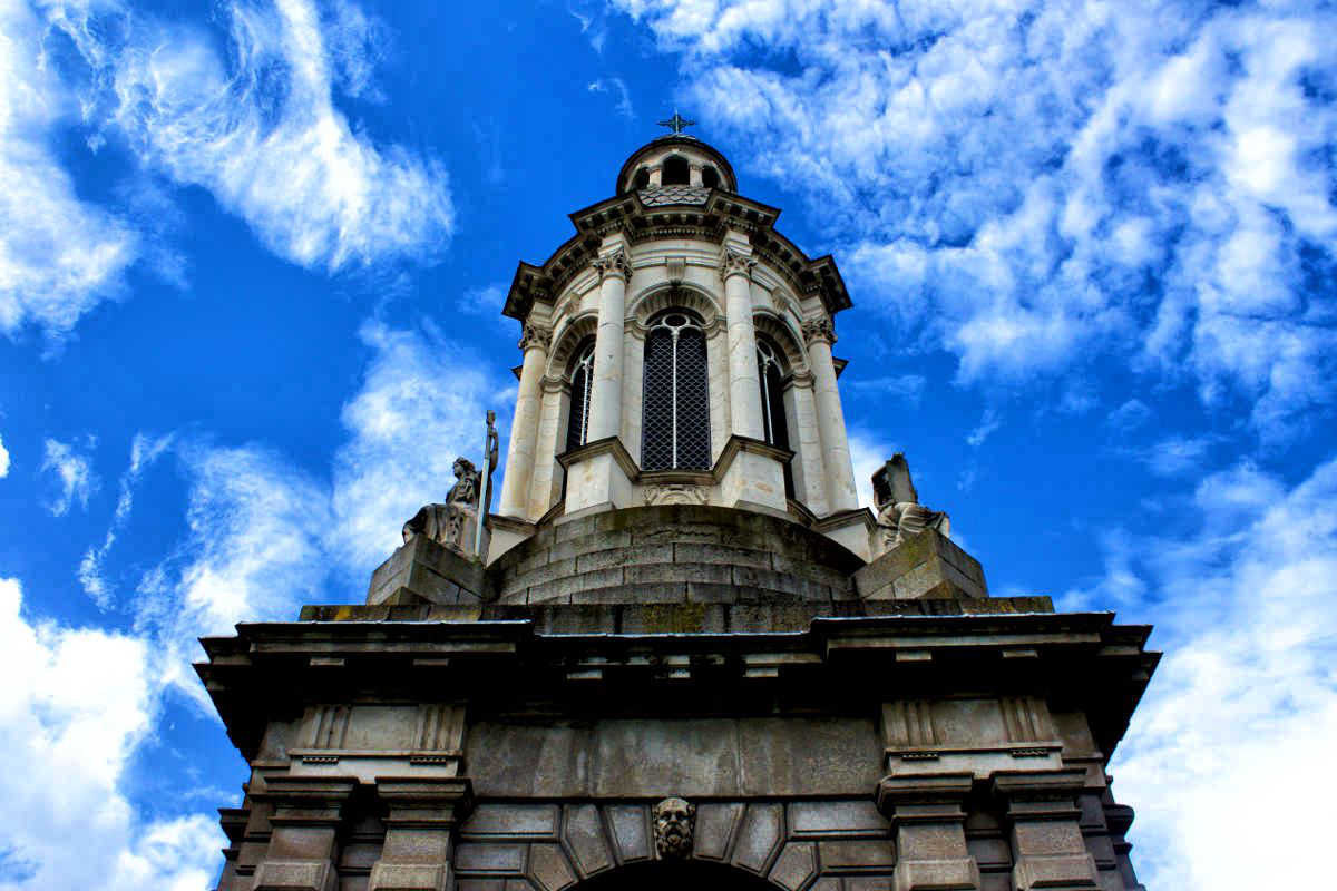 Trinity college Dublin Ireland Authentic Live Like a Local Guide