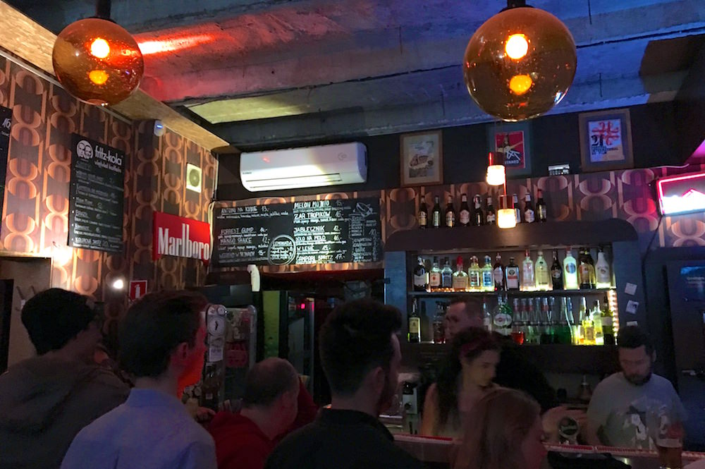 Craft Beer Drinking - How to Live Like a Local in Warsaw Poland