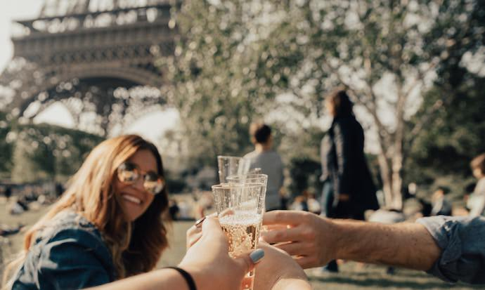 Benefits of Traveling Abroad - Friends - Authentic Traveling