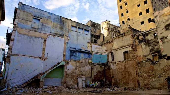 Myths About Cuba - Urban Decay - Authentic Traveling