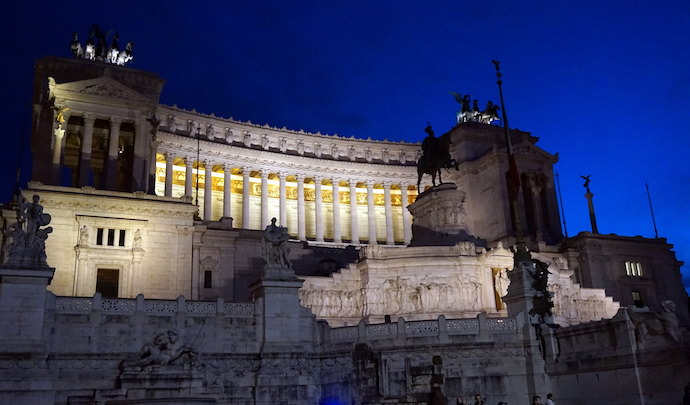 How to Save Money and Avoid Crowds in Rome - Piazza Venezia Night - Authentic Traveling