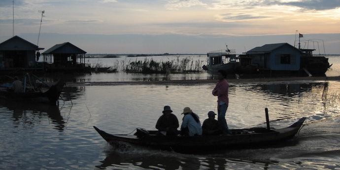 Travel Community - Cambodia - Authentic Traveling